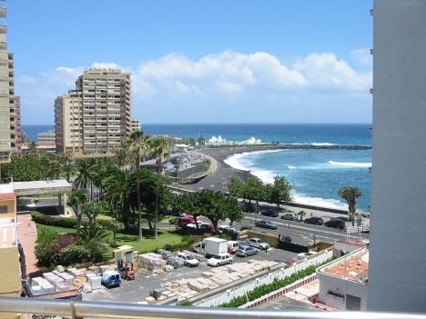 Terraza con espectaculares vistas al mar.