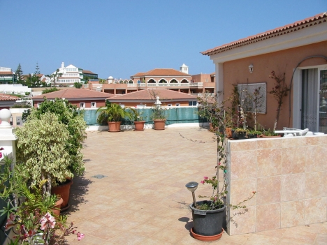 120m2 terrace + 2 bedrooms in La Paz.