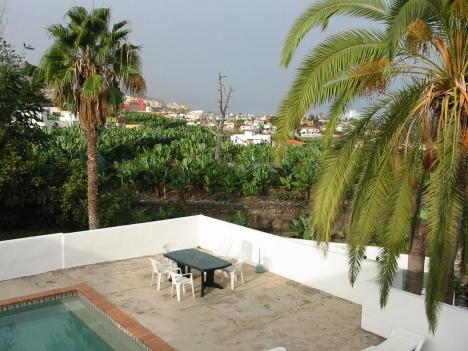 Grosses Grundstück+Herrenhaus+6 Appartements in Puerto.
