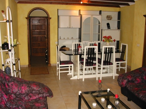 Spacious apt with balcony & garage in Puerto.