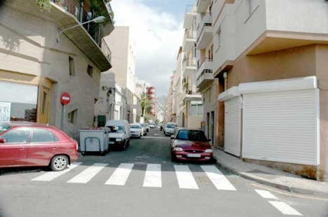 Local en Santa Cruz alquiler 45000,00 euros