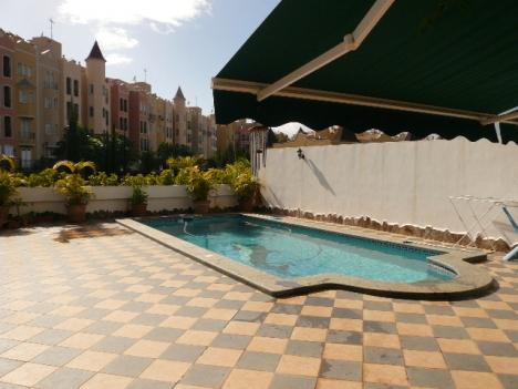 Chalet con piscina en La Quinta