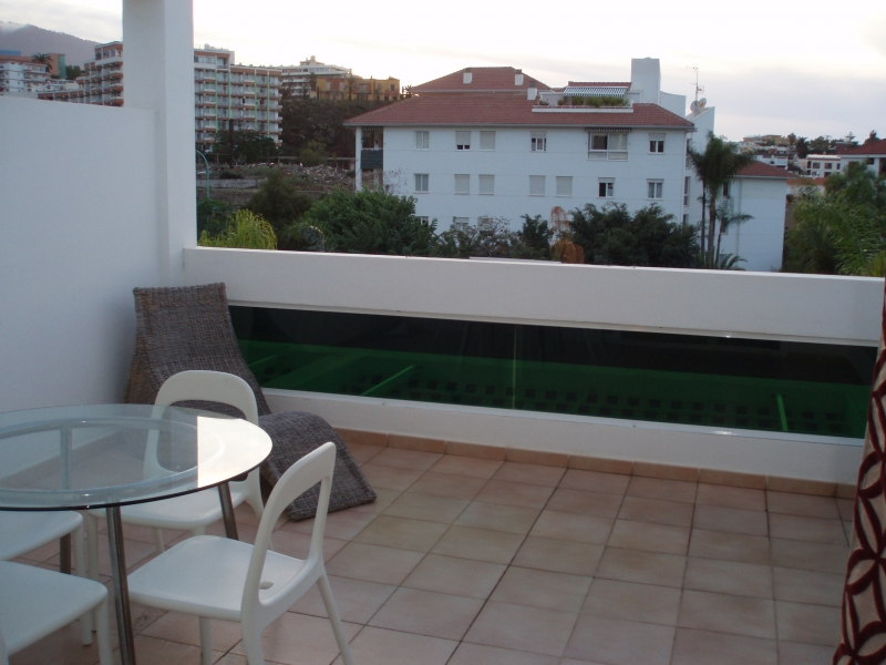 Very modern and sunny apartment with 25m2 terrace Teide views.