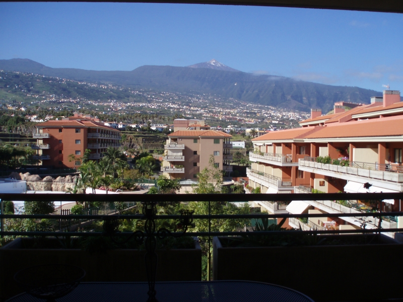 Nice flat with large terrase with panorama views to the Teide.