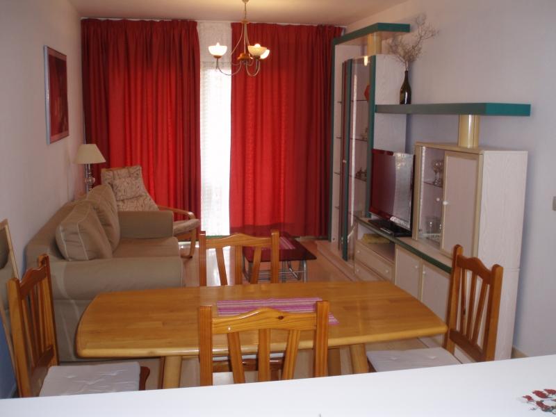 Comfortable apartamento con terraza & piscina en el Puerto de la Cruz.