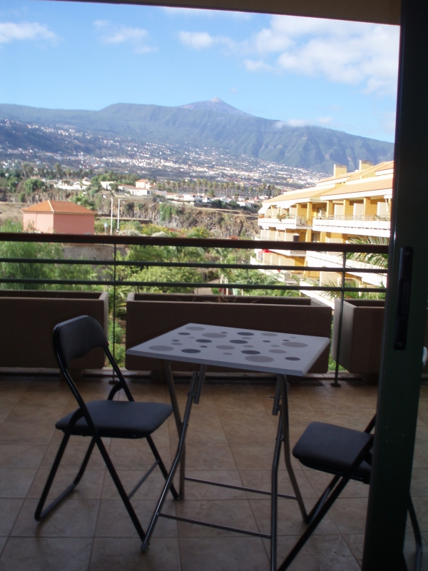 2 bedrooms with terrace and Teide views.
