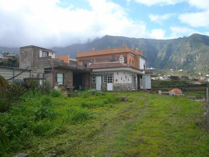 Umständehalber nicht ganz fertiggestellte Villa zu verkaufen
