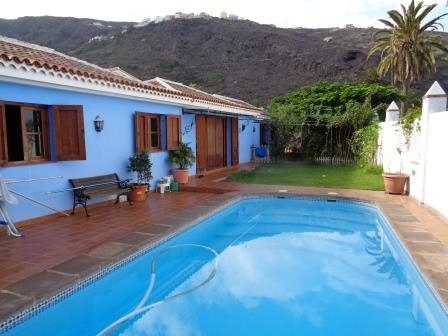 Incredibly Beautiful House With Garden Swimming Pool And An Ideal Climate Near The Coast