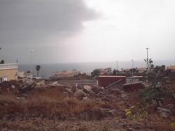 Tenerife, Plot in