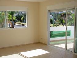 Apto de 1 dormitorio y terraza super soleado.