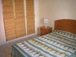 Apartamento amueblado de 2 dormitorios con vistas al mar