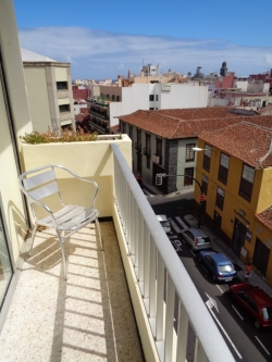 Tenerife, Estudio en Puerto de la Cruz, Estudio céntrico con balcón y vistas. Bien amueblado.