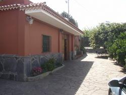 Teneriffa, Haus/Chalet in La Laguna, Finca mit haus und mit Obstbäumen und automatische Bewasserung