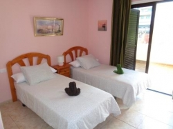 Beautiful and furnished apartment in a residential complex close to Playa Jardín.