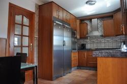 Estupenda casa, muy amplia, buenos materiales,