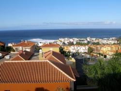 Eckwohnung mit Terrasse und Terrasse.