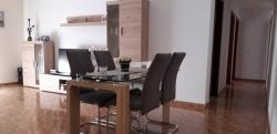 Semi nuevo; amplio piso con; terraza de 38 m2