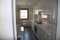 New spacious sunny flat with 3 Beds, balcony and garage.