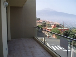 2 bedroom flat with terrace and fabulous views.