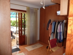 Ground floor apartment with garden and garage in top location