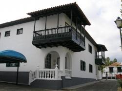 Teneriffa, Haus/Chalet in Puerto de la Cruz, Geräumige Doppelhaushälfte im La Paz!! Sonnig, Ruhig, Ideal fur Famillien!