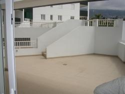 Semi neu bau apartment (276 m2) im verkauf...