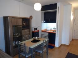 Zentrum!!!! charmante Studio, neu renoviert, schöne Möbe