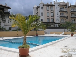 Teneriffa, Appartement in Puerto de la Cruz, Geräumige Wohnung im Erdgeschoss mit privatem Garten und Terrasse,