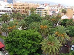 Tenerife, Studio in Puerto de la Cruz, Opportunity! Unfurnished studio apartment with balcony,comunal roof terrace, direct at Plaza de Charco!