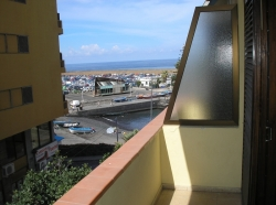 Tenerife, Apartment in Adeje, Centre. Furnished 1 bedroom apartment with views to the sea and the harbour of Puerto de la Cruz. 2 balconies.