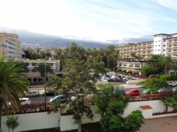 Tenerife, Studio in Puerto de la Cruz, Modern studio in **** hotel complex! Pool and sunny terrace with a view!