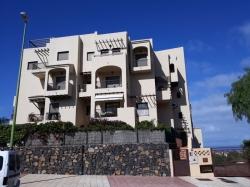 Oportunidad! Bonito apartamento con terraza, piscina y plaza garaje con trastero!