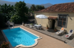 Tenerife, House/Chalet in Puerto de la Cruz, Beautiful house with private pool, quiet, sunny