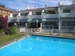 Tenerife, House/Chalet in Puerto de la Cruz, Townhouse 2 bedrooms with pool and parking!