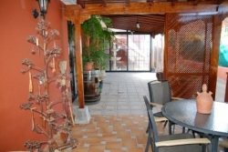 Large chalet with lots of wood in decoration.Sea views and in perfect condition!New Price!