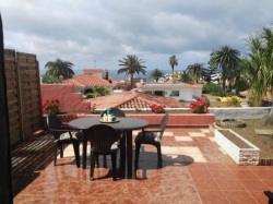 Tenerife, House/Chalet in Los Realejos, For the winter season! A Half part of villa with large terrace and view!