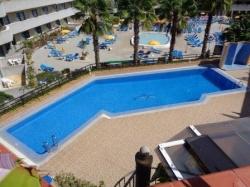 Tenerife, Apartment in Puerto de la Cruz, Sunny Apartment, Fully Furnished, Terrace with Sea Views, Communal Pool.