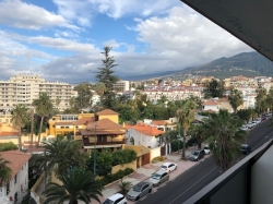 Tenerife, Apartment in Puerto de la Cruz, Beautiful apartment with terrace. Shared pool and gardens.