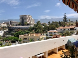 Tenerife, Penthouse in Puerto de la Cruz, Great bright penthouse in the center ( down town) with garage and elevator!