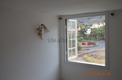 Semi-detached house, completely renovated, 3 Bedrooms, 2 Bathrooms, garage, 240m2