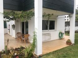 Tenerife, Apartamento en Puerto de la Cruz, Apartamento nuevo y amueblado con 200m² jardín. Terraza, piscina, buenas vistas.