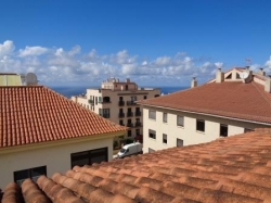 Tenerife, Penthouse in La Orotava, Opportunity! Beautiful penthouse with large covered terrace in aluminum in the best