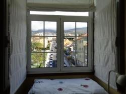 Gelegenheit! Schönes Penthouse mit großer überdachter Terrasse aus Aluminium
