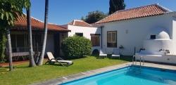 Teneriffa, Haus/Chalet in Puerto de la Cruz, Fantastiches Haus mit schönem Garten und beheiztem Pool. Exklusives Eigentum!