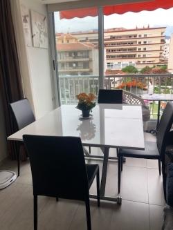 Moderne, renovierte Wohnung in der Innenstadt!