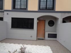 Sehr schönes komplett möbliertes Reihenhaus mit Garage, Pool, Terrassen....