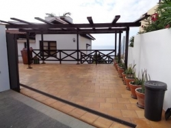 Haus / Villa mit spektakulärer Aussicht, Pool, Terrassen, Garten und vielen Extras