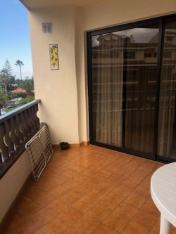 INVESTMENT! Nice apartment with 2 bedrooms,separate toilet,bathroom, renovated kitchen.
