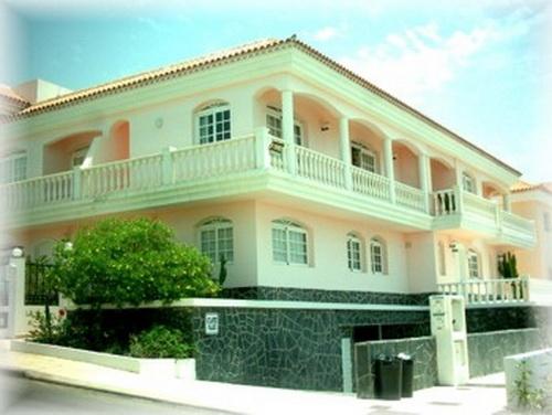 Duplex-Reihenhaus in Callao Salvaje