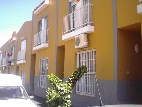 San Isidro - Duplex-Reihenhaus